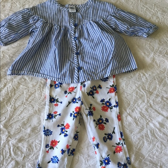 Old Navy Other - Cute baby girl outfit Old Navy size 0-3M
